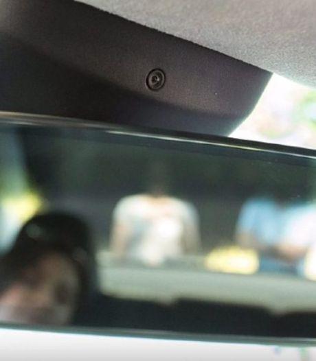 Waarom Tesla-rijders de 'geheime' camera in hun auto maar beter kunnen afplakken
