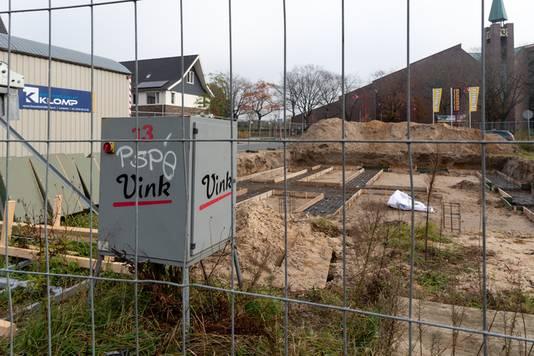 De gemeenteraad van Barneveld stelt een onderzoek in naar het eigen functioneren in de zandaffaire.