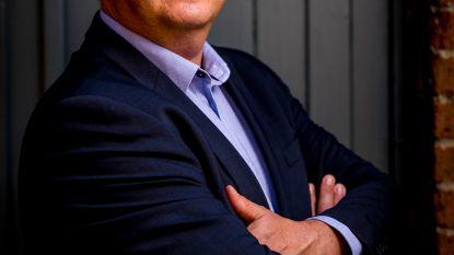 """Politiek expert Carl Devos: """"We moeten naar minder en grotere partijen"""""""