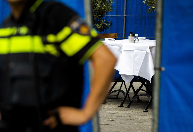 Onderzoek van de politie in Ferilli's Caffè in de Beethovenstraat.