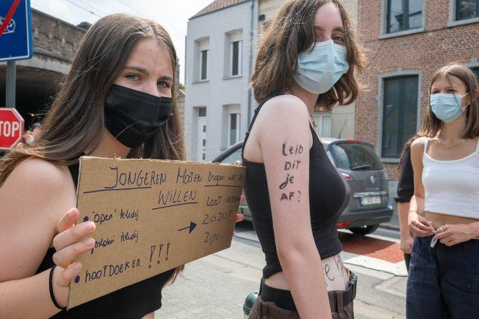 MECHELEN Leerlingen van BA Caputsteen vragen vrijheid wat betreft klederdracht