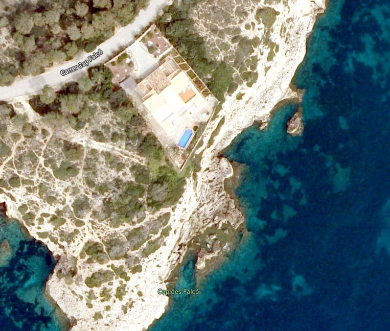 Bovenaanzicht van de vakantiewoning waar het slachtoffer verbleef.