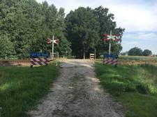Spoorwegovergangen Hof van Twente veilig maken kost zo'n 2 miljoen euro