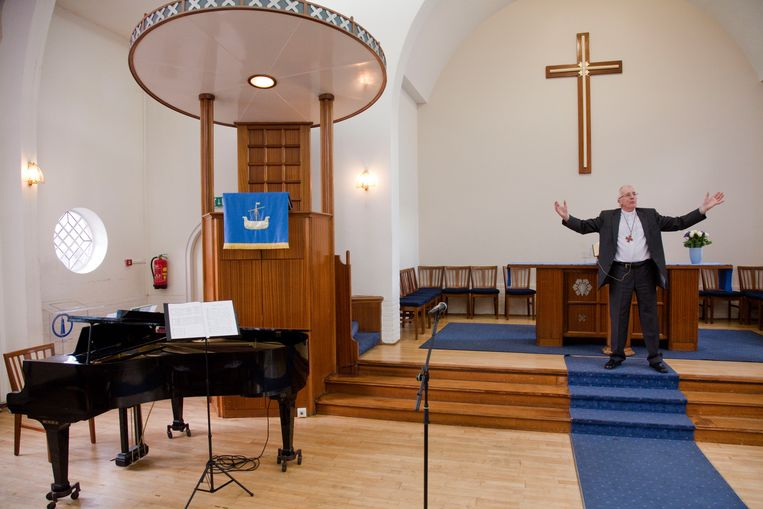 Dominee Derk Lawson preekt in de Schotse kerk in Rotterdam Beeld Otto Snoek