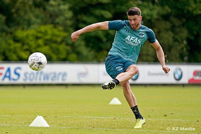 Wesley Hoedt onderhoudt zijn conditie bij AZ Alkmaar.