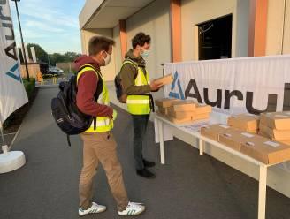 Medewerkers van Aurubis en Metallo die auto thuis laten worden getrakteerd op ontbijtpakket