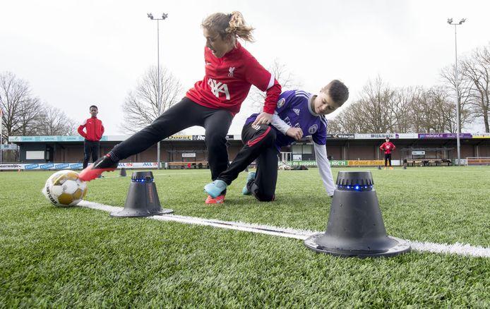 Jongerenwerk Skillz en HSC'21 trainden afgelopen zaterdag samen met de smartgoals.