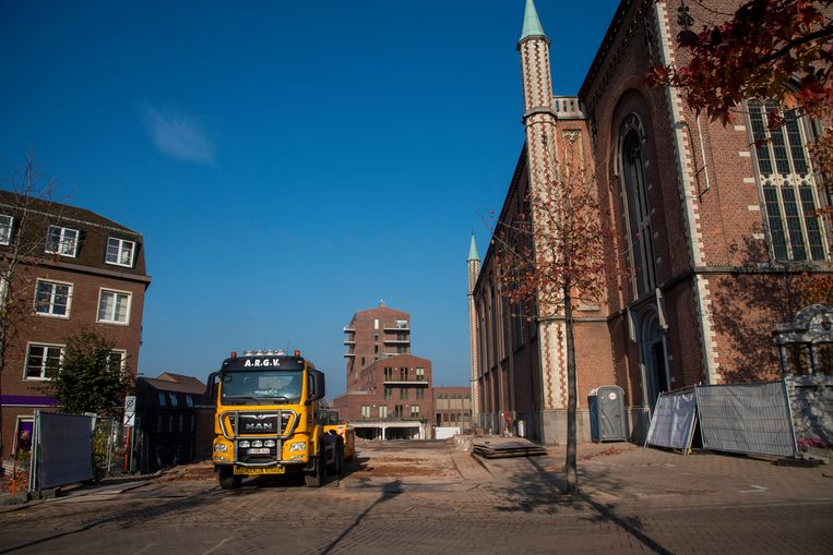 De appartementen van De Vos zijn afgebroken en maken plaats voor een parkje.