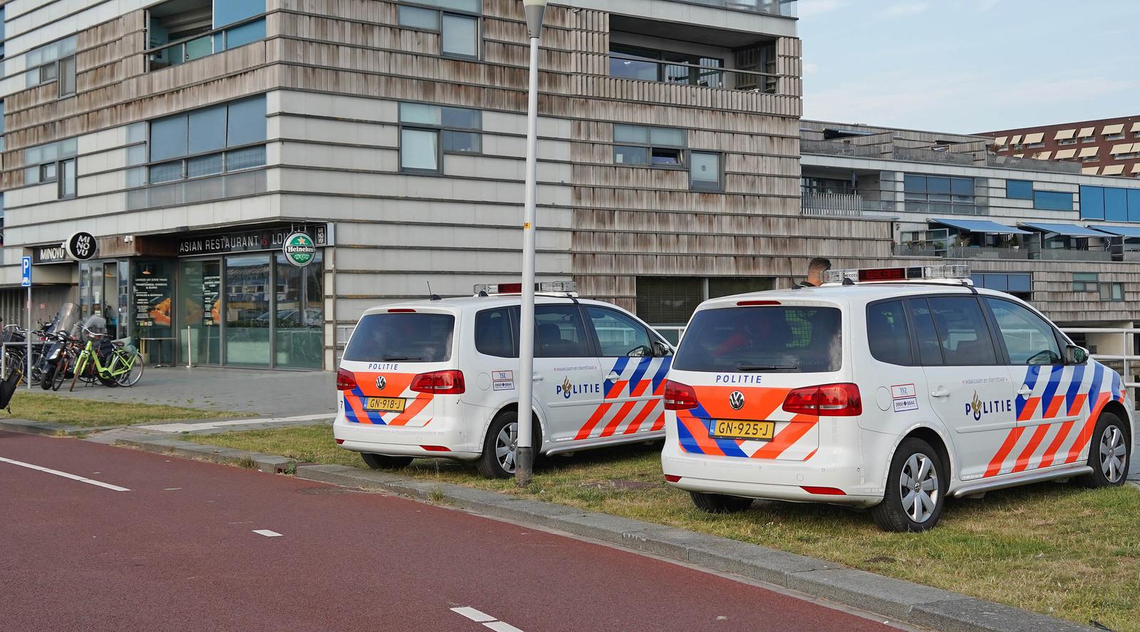 De politie deed na de overval onderzoek bij de getroffen zaak.