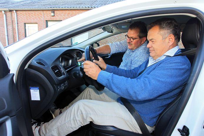 Een uur rijden met de rij-instructeur is onderdeel van de Verkeersdag voor Senioren bij verkeersschool Kees van Iersel in Heesch