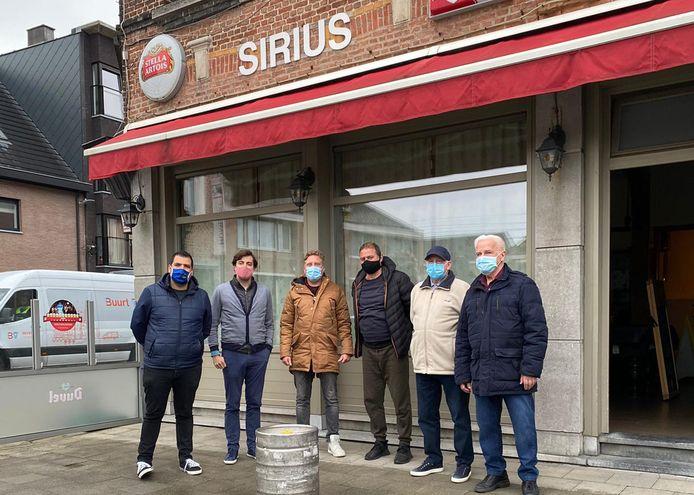 Onder meer café Sirius mocht een gratis vat in ontvangst nemen.