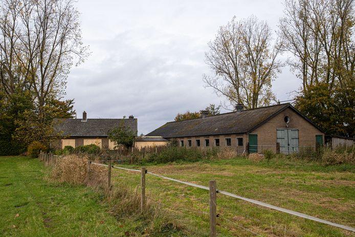 Als een boerenbedrijf stopt en een andere bestemming krijgt moeten de bijgebouwen plat.