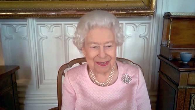 Binnenkijken bij Elizabeth: dankzij het Zoom-tijdperk krijgen we ook het interieur van de Britse Queen te zien