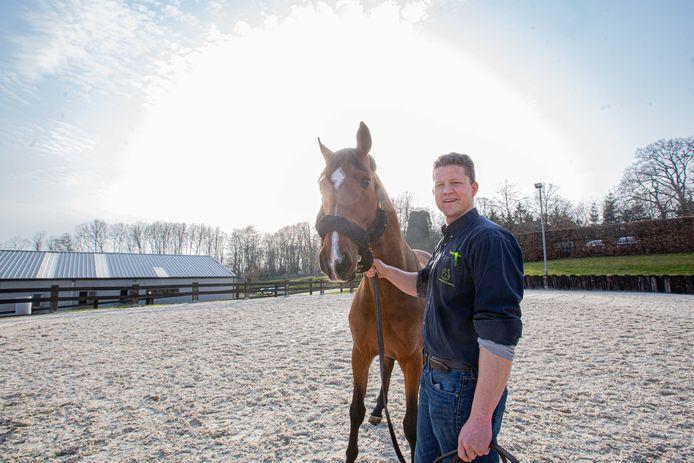 Michael Meulyzer, Europees erkend paardenchirurg en eigenaar van De Morette.