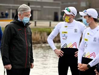 Koning Filip vaart mee met Olympische roeiers