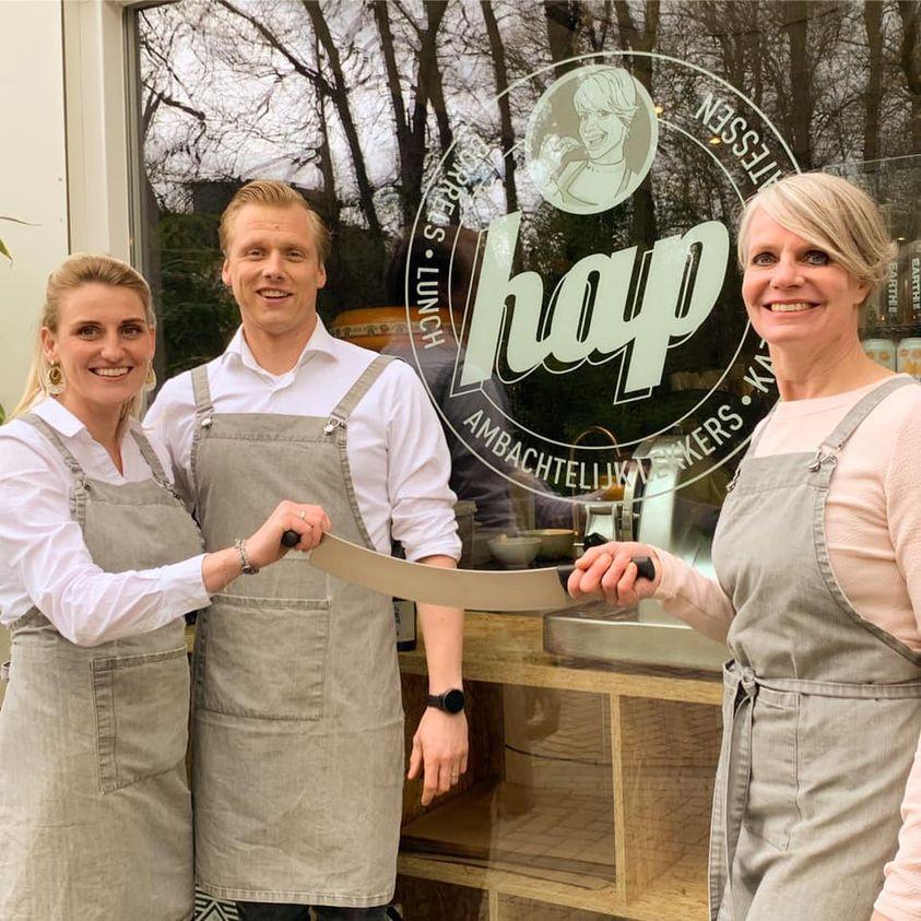 Madelon en Kevin zijn vanaf 1 mei de nieuwe eigenaren van  delicatessen- en lunchwinkel Hap in Almelo