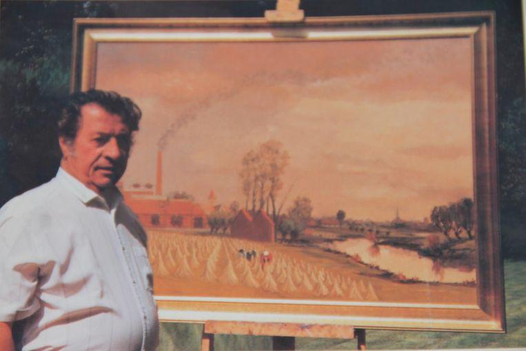 Leon Beel bij een van zijn schilderijen. Hij had altijd veel aandacht voor de vlasteelt en het boerenleven.