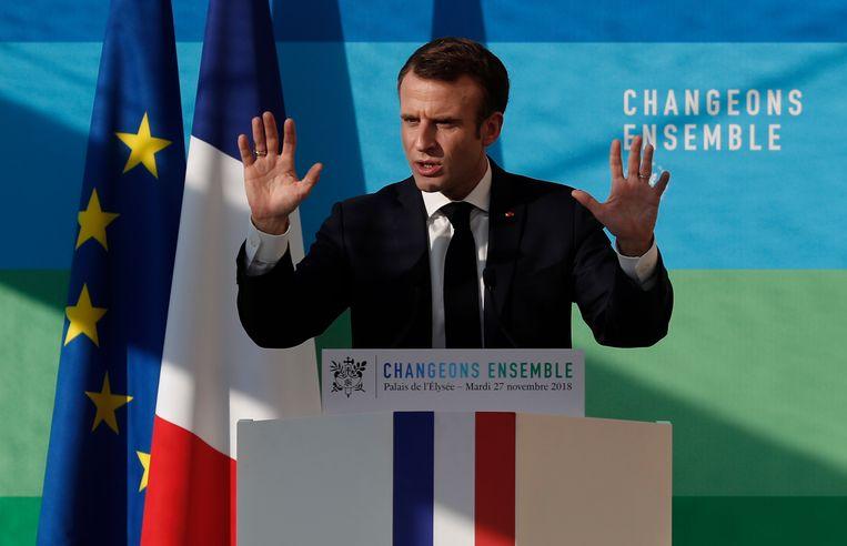 De Franse president Macron haalde in zijn toespraak vandaag ook de 'gele hesjes' aan. Beeld EPA
