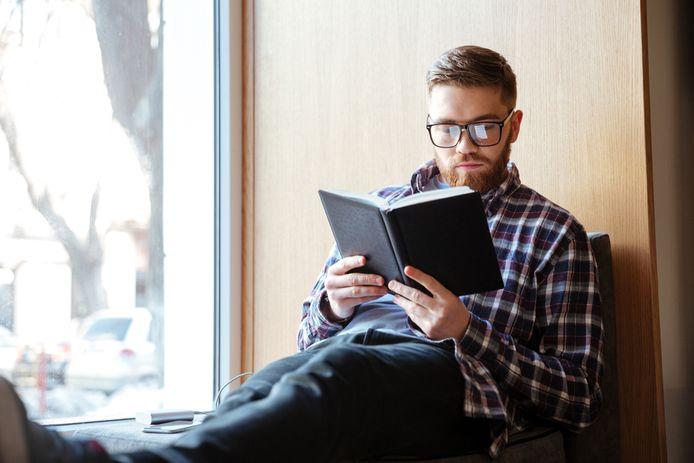 Foto ter illustratie. Er valt wat te zeggen voor 'langzaam' lezen, vindt psycholoog Chantal van der Leest.