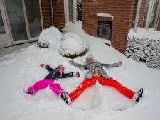 Sneeuwpret in Weurt: onwerkelijk stil