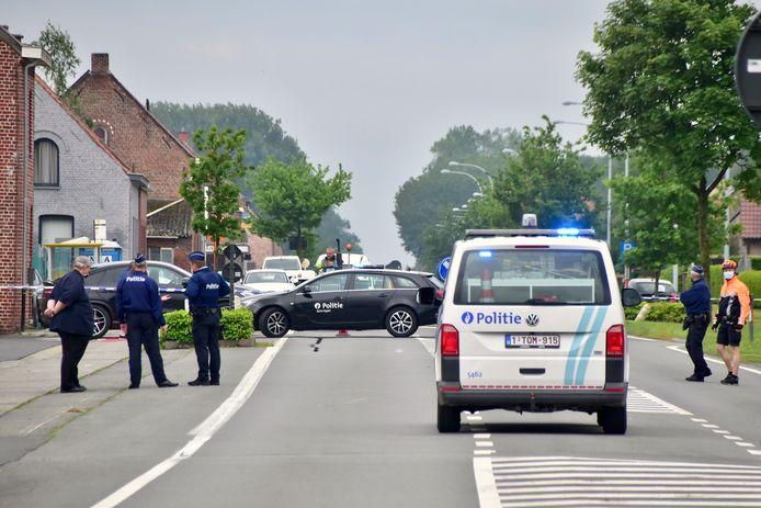 Omwille van het sporenonderzoek naar aanleiding van de inbraak was de Menenstraat in Geluveld enkele uren plaatselijk afgesloten.