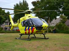 Jongeman gewond bij ongeluk met afsteken vuurwerk, traumahelikopter landt in Helmond
