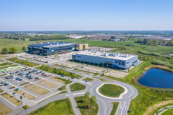 GGD West-Brabant richt een XL-vaccinatielocatie in op evenemententerrein Breepark in Breda.