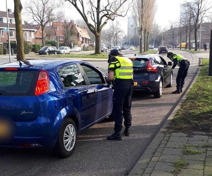 De boetes werden uitgedeeld op de Lessinglaan in Utrecht.