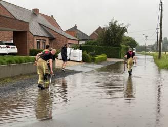 """Gemeente reageert op wateroverlast in Loppem: """"Erg veel regen gevallen op korte tijd, maar we werken aan oplossing"""""""