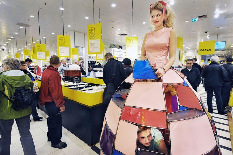 Drie Dolle Dwaze Dagen in de Bijenkorf, honderden produkten goedkoper dan normaal.   Beeld Guus Dubbelman / de Volkskrant