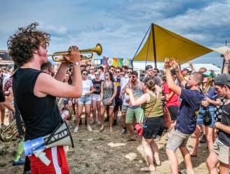 """""""Als we muziek willen horen, kunnen we niet langer wachten met voorbereiding"""": Festival Dranouter waagt de sprong met 2.500 toeschouwers per dag"""