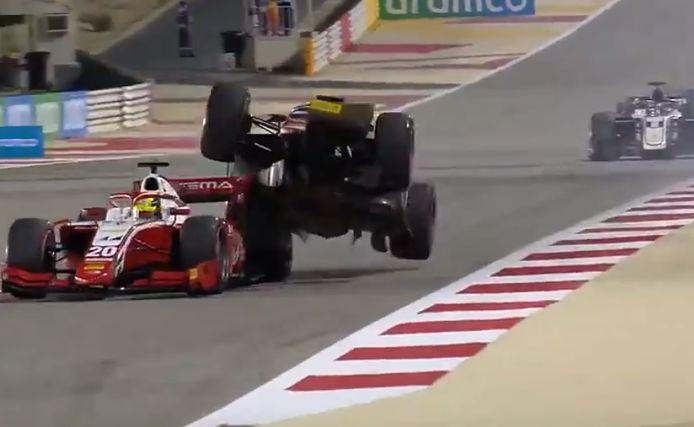 Het incident tussen Mick Schumacher en Roy Nissany.