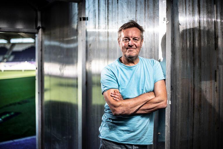 Frank Raes: 'We worden Europees kampioen omdat we nu wel Frankrijk kloppen en omdat Lukaku en de andere sterkhouders een dijk van een toernooi spelen.' Beeld Marco Mertens Humo 2020