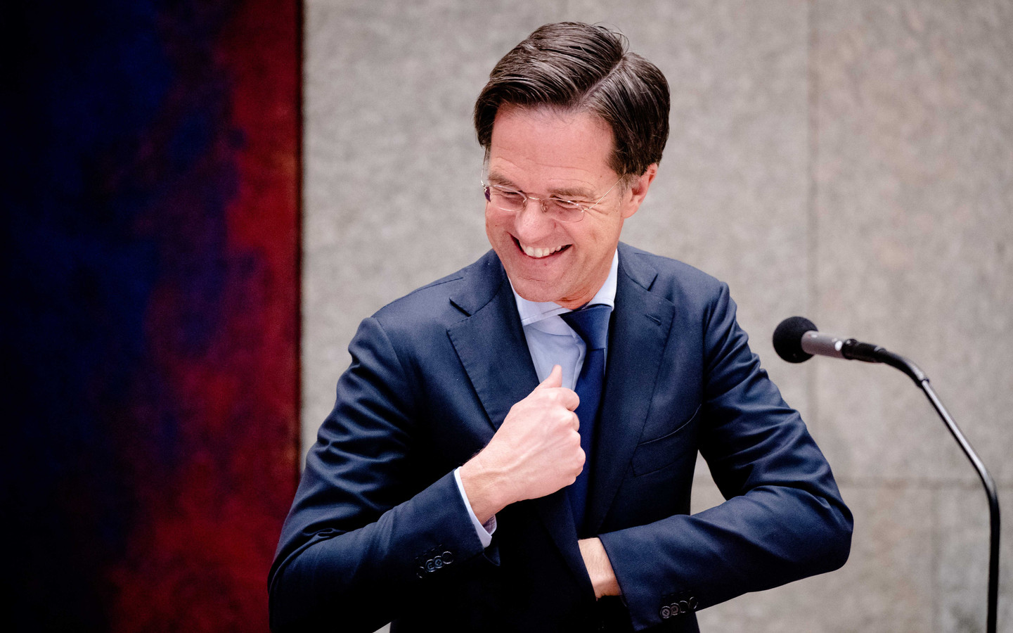 Premier Mark Rutte in de Tweede Kamer tijdens een debat over de ontwikkelingen rondom het coronavirus.
