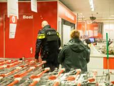 Tieners opgepakt voor gewapende overval op Boni in Soest, politie op zoek naar derde verdachte