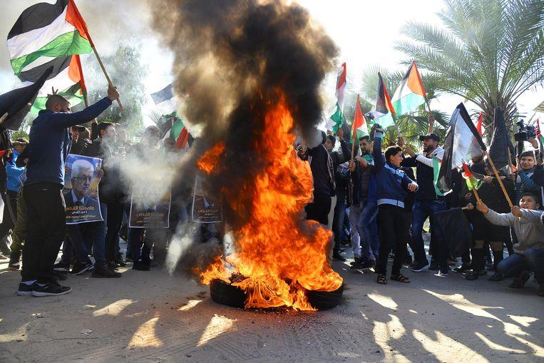 In Palestina werd deze week hevig geprotesteerd tegen het Midden-Oostenplan van Trump. Beeld Photo News