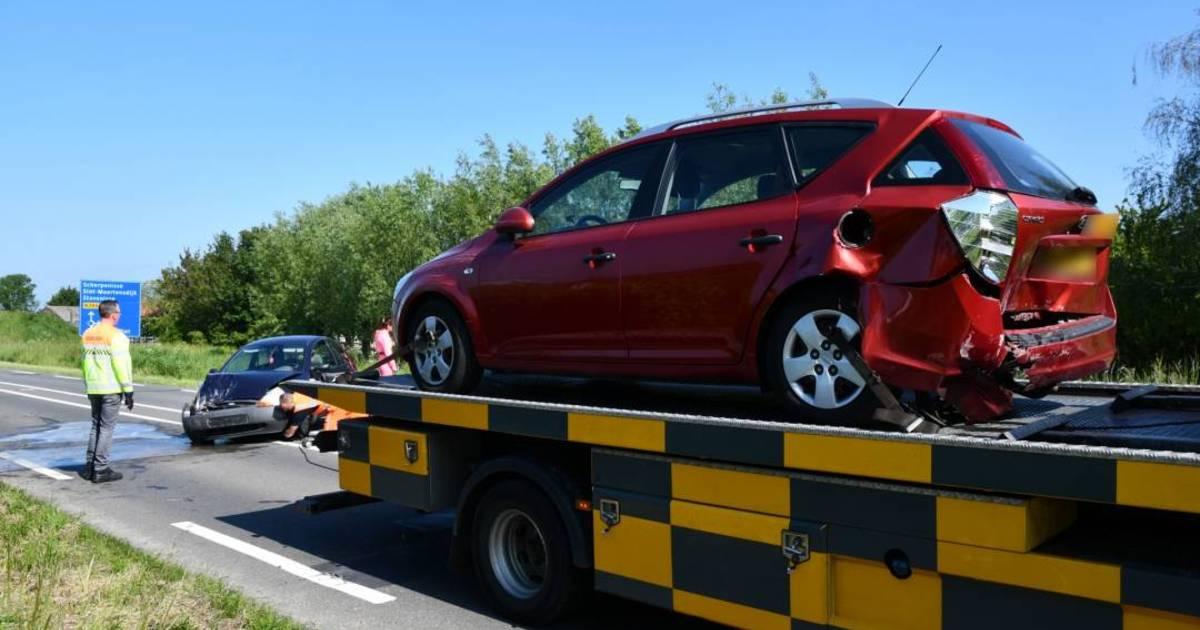 Automobilist gewond na kop-staartbotsing op N286 bij Poortvliet.
