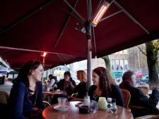 Groene partijen willen terrasverwarmers in Den Haag aanpakken: 'Gebruik in plaats daarvan een dekentje'