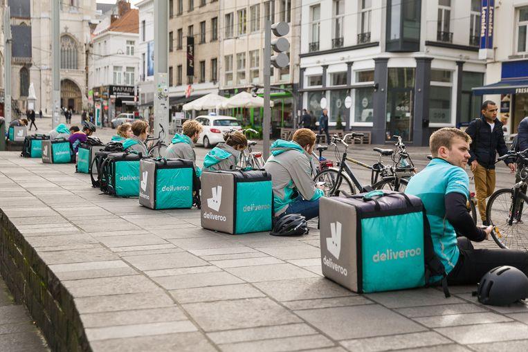 Deliveroo-fietskoeriers in Gent. Beeld James Arthur