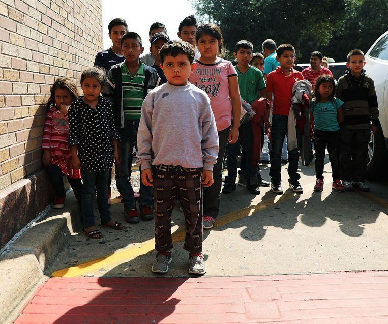 Midden-Amerikaanse kinderen uit Honduras, Guatemala en El Salvador aan de Amerikaans-Mexicaanse grens. Archiefbeeld uit 2018. Beeld AFP