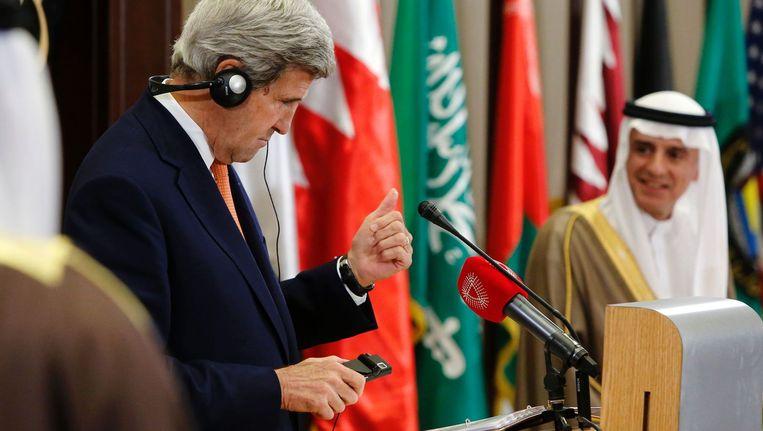 de Saoedische minister van Buitenlandse Zaken Adel al-Jubeir en zijn Amerikaanse collega John Kerry. Beeld afp