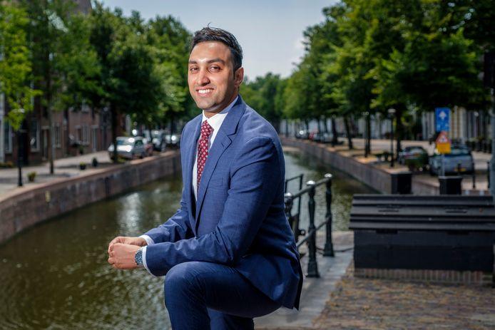 Fahid Minhas is met zijn 30 jaar de jongste wethouder van Schiedam.