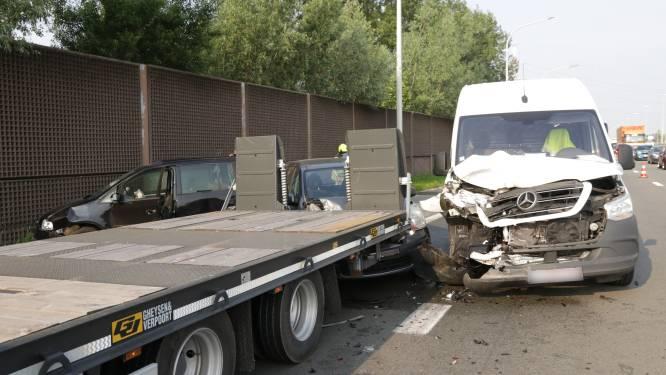 Twee bestuurders gewond bij ongeval op laterale weg van E17