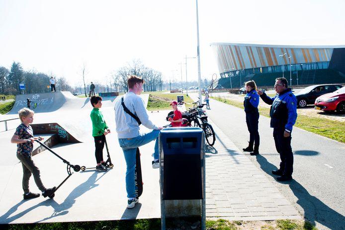 In Apeldoorn dragen straks alle handhavers een bodycam.