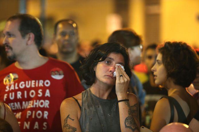 Aanhangers van de linkse tegenkandidaat Fernando Haddad reageerden vannacht ontgoocheld op het verkiezingsresultaat.
