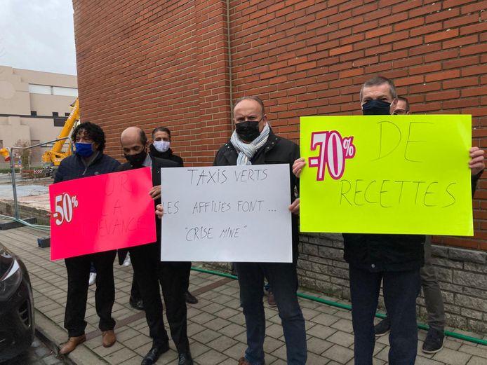 Vorige week protesteerden tientallen taxichauffeurs nog voor de zetel van Taxis Verts.