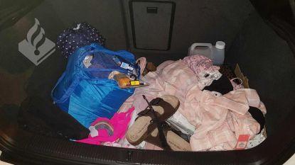 Zwangere dievegge  geklist met 900 euro (!) aan gestolen spul uit ... de Primark