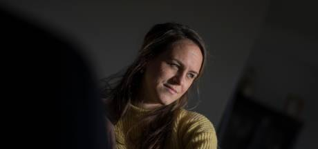 Benefiet zodat ongeneeslijk zieke Karlijn (29) nog kan trouwen, toeren en 'plastuitplassen'