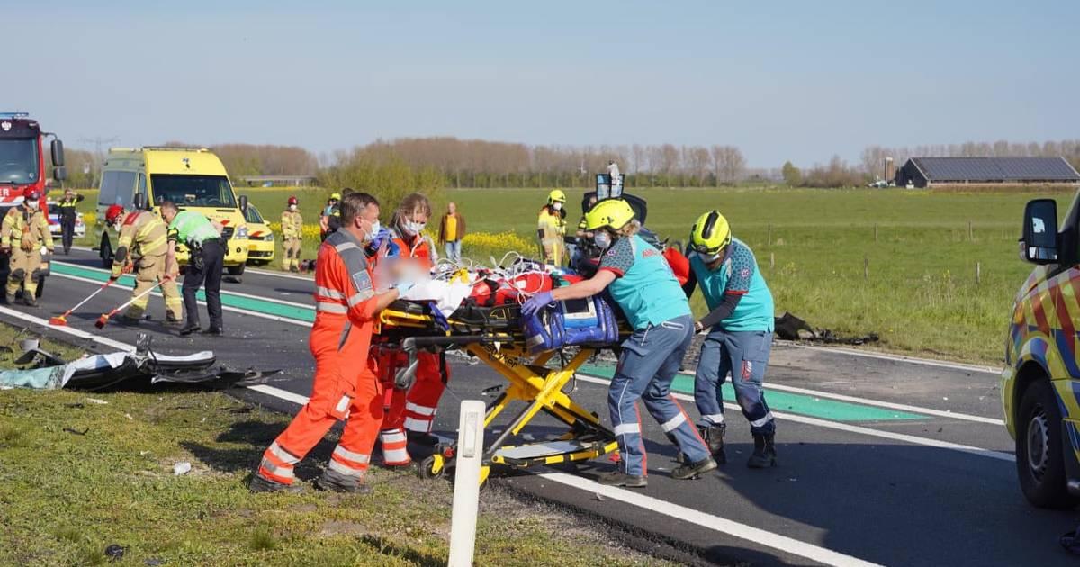 Ernstig ongeluk op provinciale weg bij Druten, weg blijft uren dicht.