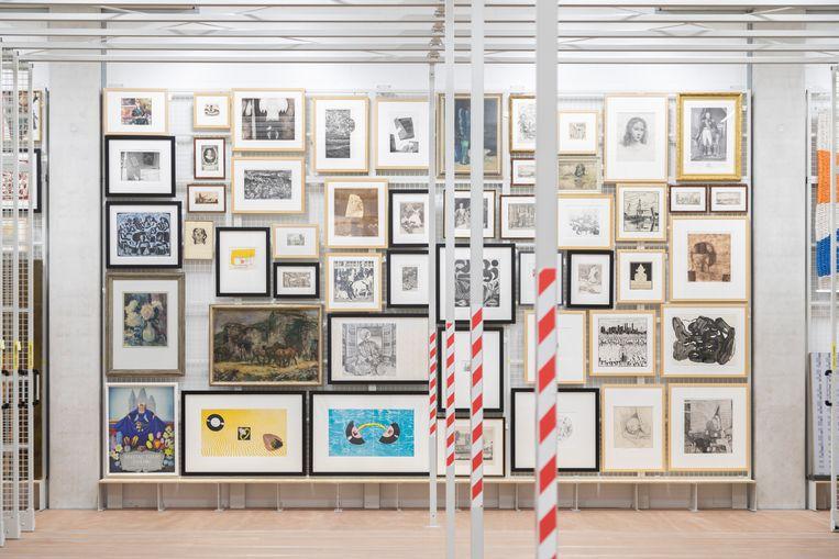 Kunst in het CollectieCentrum Nederland, waar een half miljoen objecten liggen opgeborgen.  Beeld NL